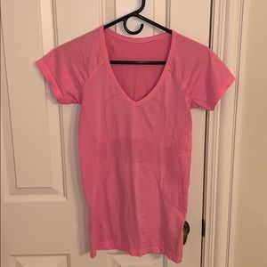 Lululemon swiftly tech t size 6 pink